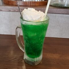 クリームソーダ(¥500-)